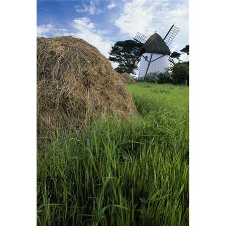 Posterazzi DPI1831682LARGE Tacumshane Windmill County Wexford Ireland - Windmill & Haystack Poster Print, Large - 24 x 36 - image 1 de 1