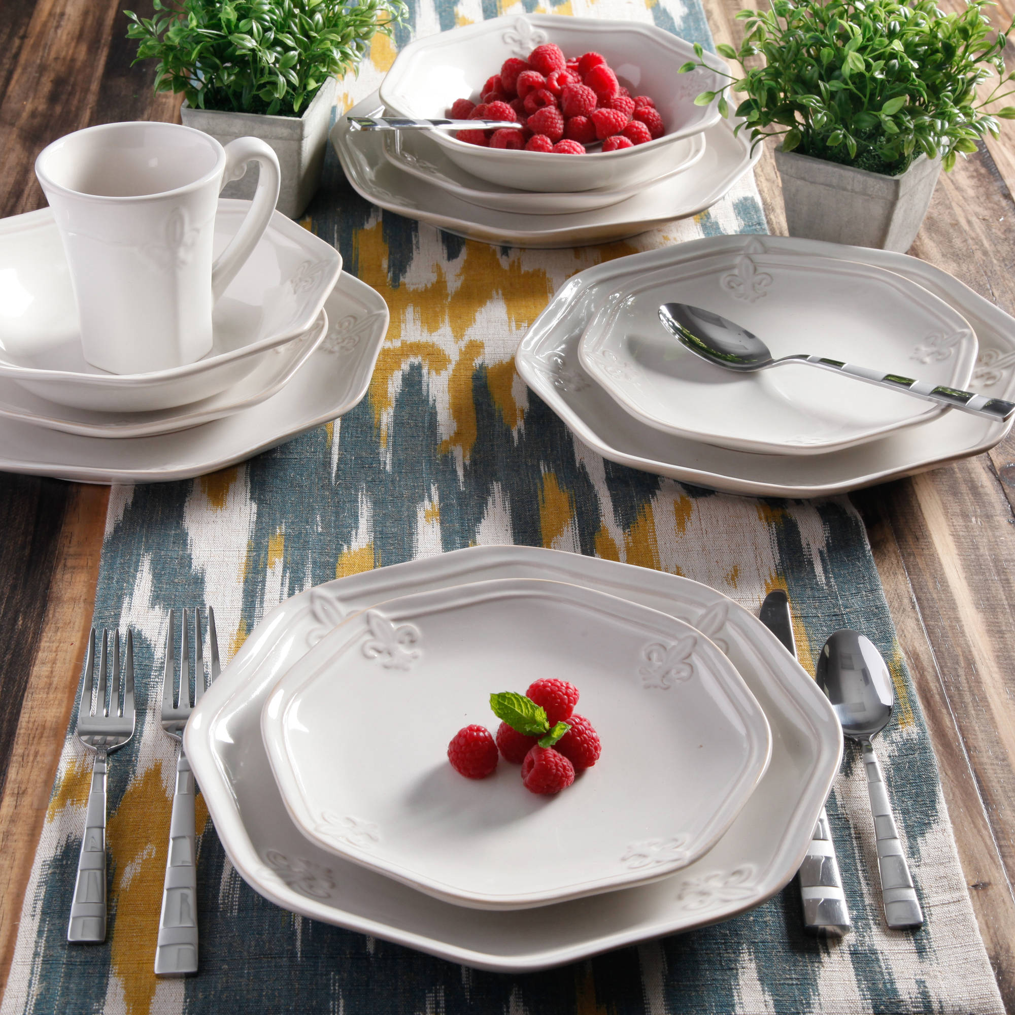 Better Homes \u0026 Gardens Country Crest 16-Piece Dinnerware Set - Walmart.com & Better Homes \u0026 Gardens Country Crest 16-Piece Dinnerware Set ...