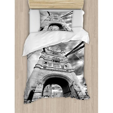 Ambesonne Tower Bridge London England Urban Street Traffic European Historical Picture Duvet Set