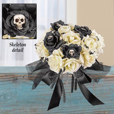 - Collections Etc Creepy Rose Bouquet for Scary Bride Costume or Indoor Home Halloween Décor