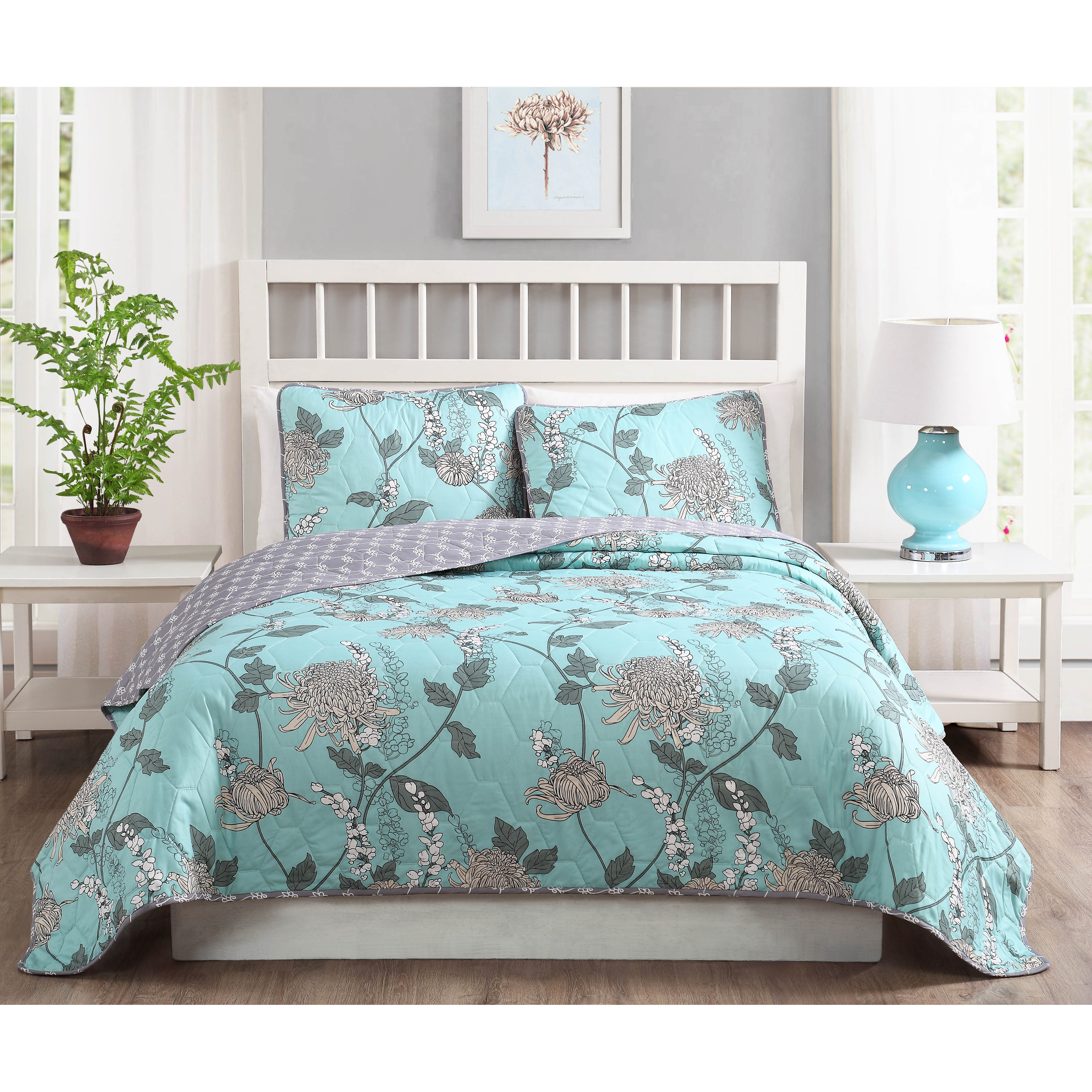 Amelie 3-Piece Reversible Quilt Set