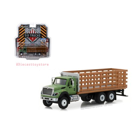 GREENLIGHT 1:64 SD TRUCKS SERIES 4 - 2018 INTERNATIONAL WORKSTAR PLATFORM STAKE TRUCK WITH WOOD EFFECT (GREEN) 45040-B