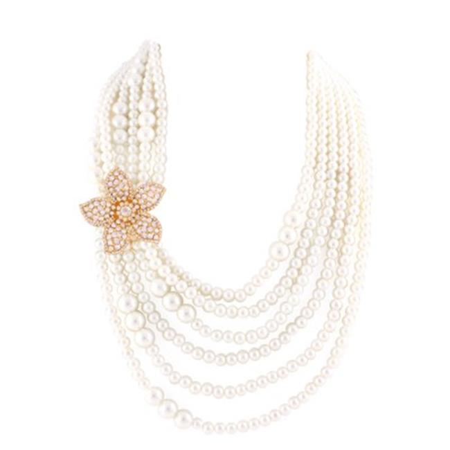 Gold Flower With White Crystals Pearl Necklace - image 1 de 1