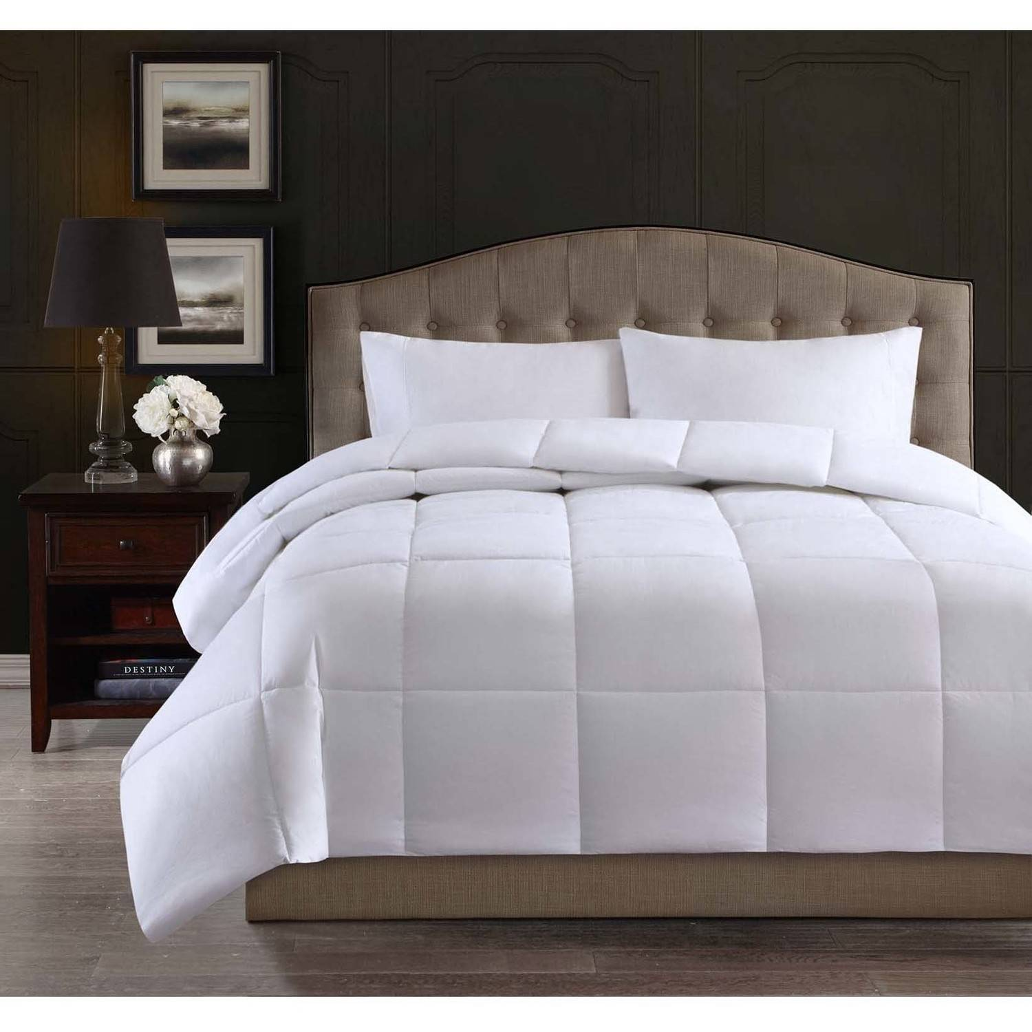 Hotel Style 300-Thread-Count Down Alternative Bedding Comforter