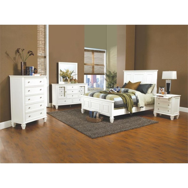Coaster Furniture 4 Piece King Panel Bedroom Set in White