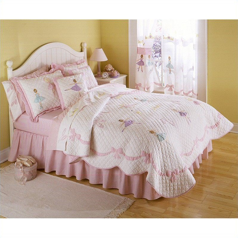 Pem America Ballet Lessons Quilt Set in Pink and White-Full