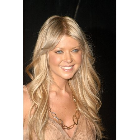Tara Reid At Arrivals For Verizon Wireless  Rolling Stone Pre-Grammy Party Hosted By Justin Timberlake Stretched Canvas -  (16 x 20)