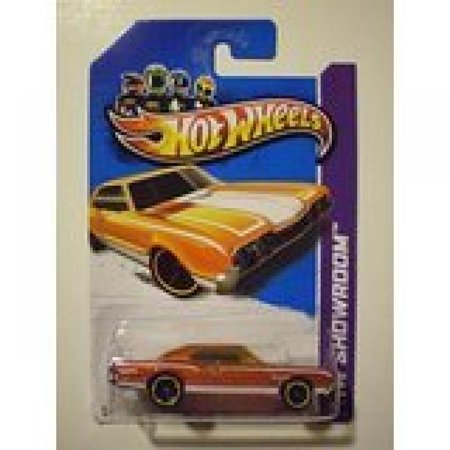 Hot Wheels 2012 Muscle Mania - GM '67 Oldsmobile 442 Dark Orange on 2013 HW Showroom Card