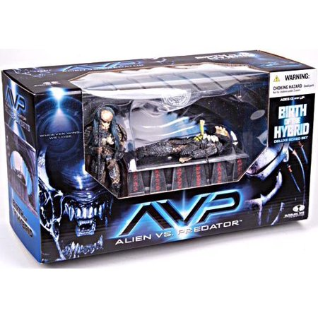 McFarlane Alien vs Predator Series 2 Birth of the Hybrid Action Figure Set - Predator Alien Hybrid