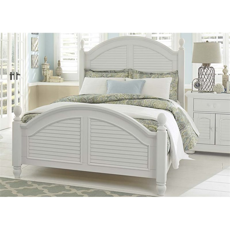 Liberty Furniture Summer House I Queen Poster Bed in Oyster White