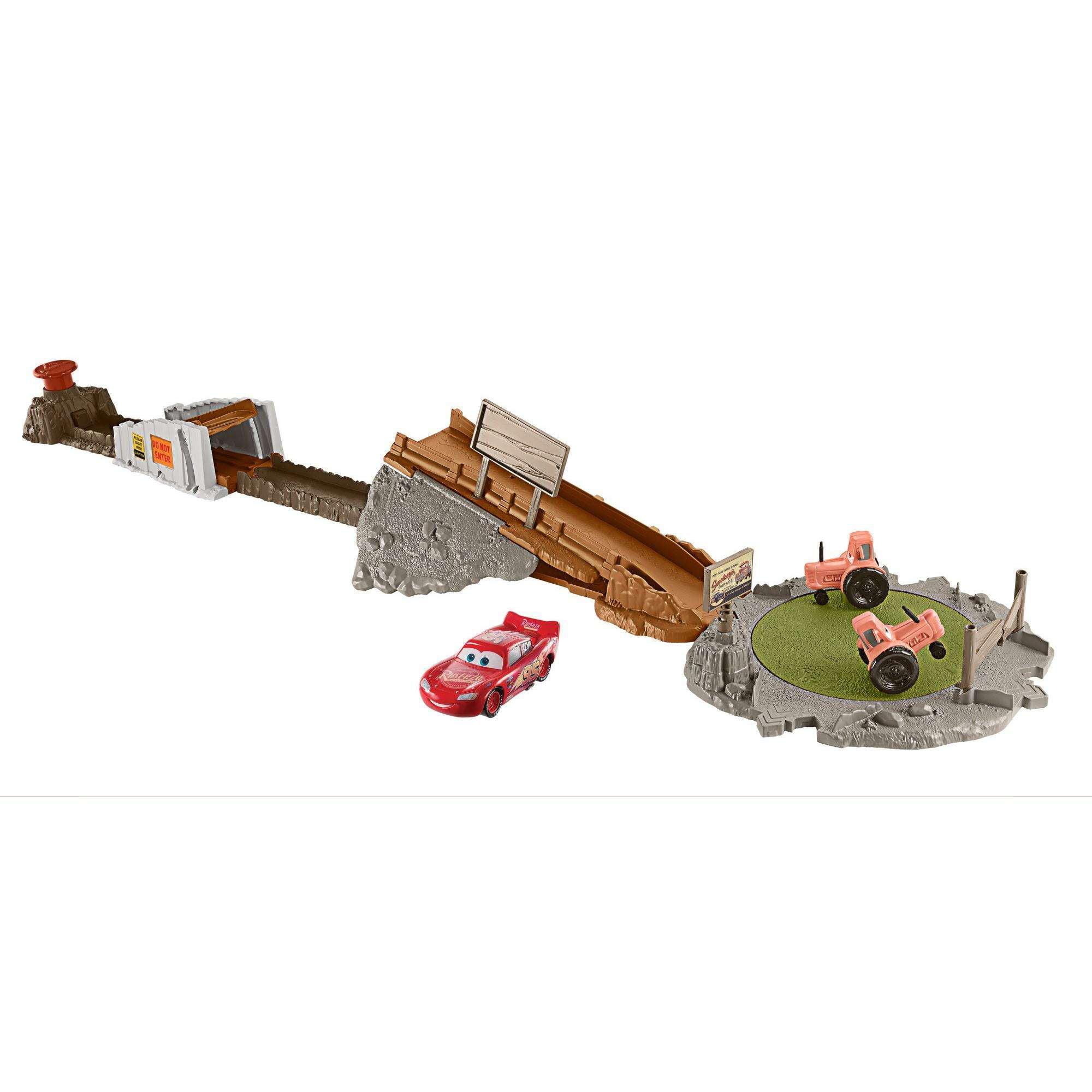 Disney Pixar Cars Smokey's Tractor Challenge Playset by Mattel
