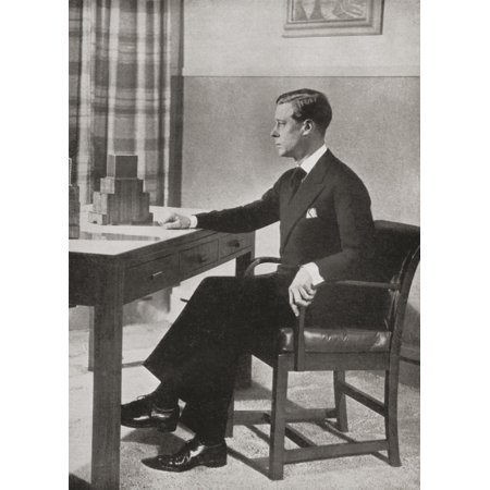 King Edward Viii Preparing To Broadcast His Decision To Abdicate From Broadcasting House 11 December 1936 Edward Viii Edward Albert Christian George Andrew Patrick David Later The Duke Of Windsor 1894