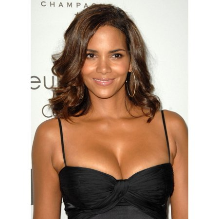 Halle Berry At Arrivals For 15Th Annual Elle Women In Hollywood Event The Four Seasons Beverly Hills Los Angeles Ca October 06 2008 Photo By Dee CerconeEverett Collection Celebrity - Halloween Events October 28