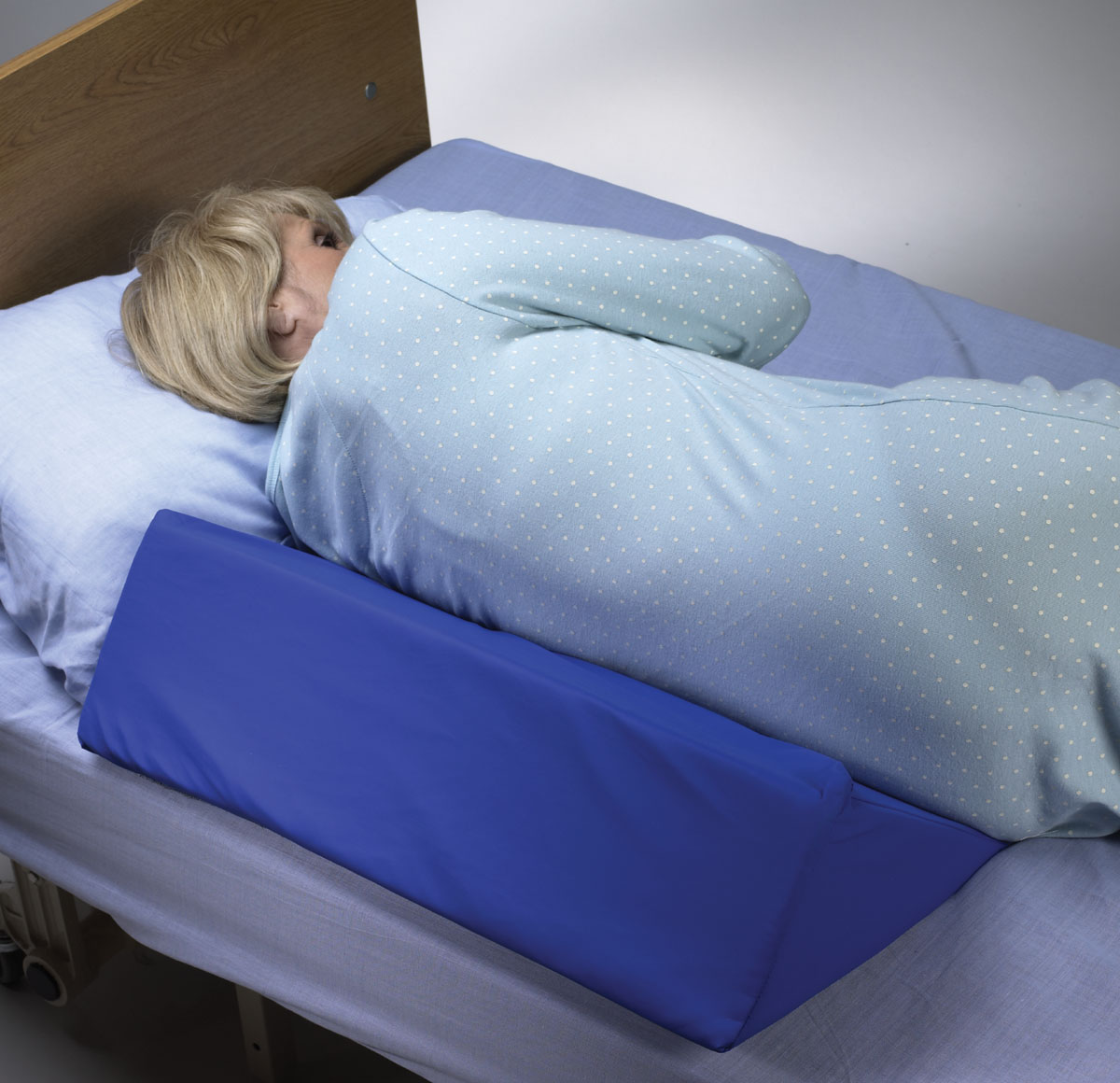 """Skil-Care 30 Degree Bed Wedge, Smooth Surface, 7"""" x 12"""" x 24"""""""