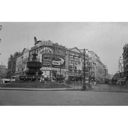 UK London Piccadilly Circus Poster Print