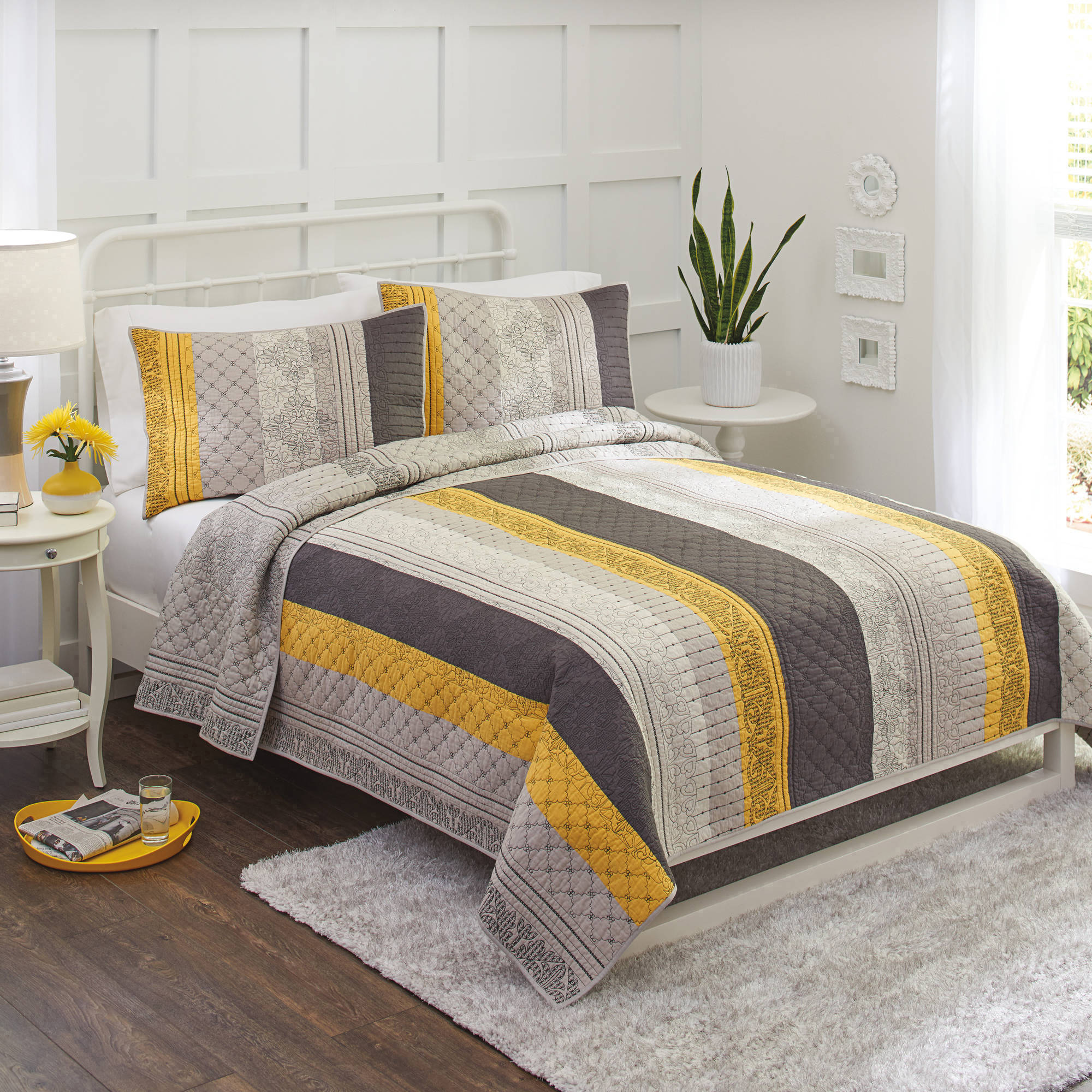 Better Homes and Gardens Imperial Lattice Yellow Grey Pieced Quilt and Sham by