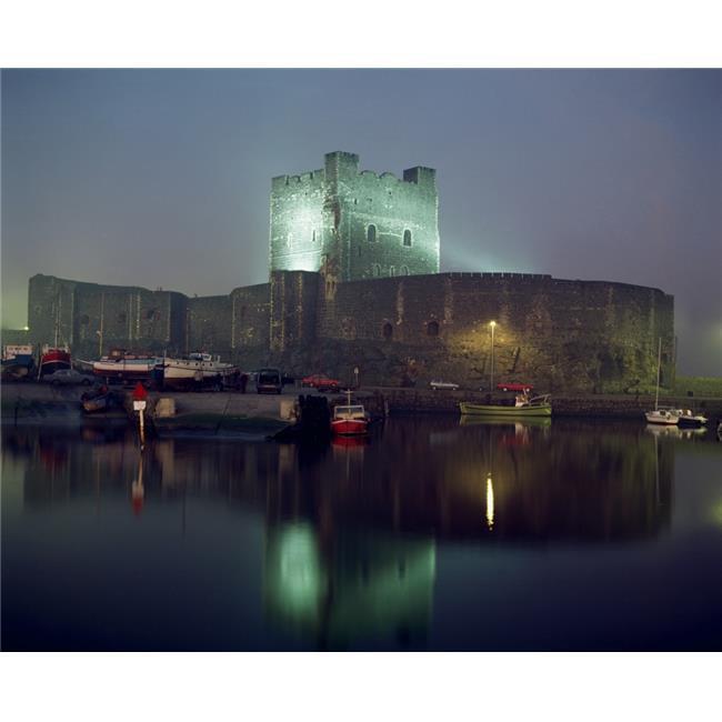 Posterazzi DPI1809998 Carrickfergus Castle & Harbour Co Antrim Ireland Poster Print by The Irish Image Collection, 16 x 13 - image 1 de 1