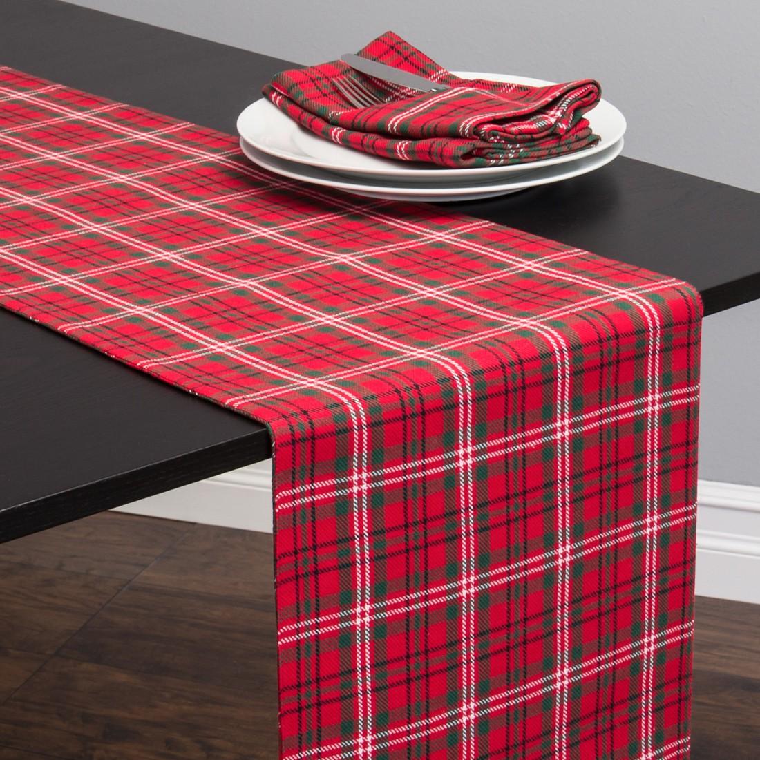 Beau Linen Tablecloth Holiday Plaid Table Runner, Red And Green