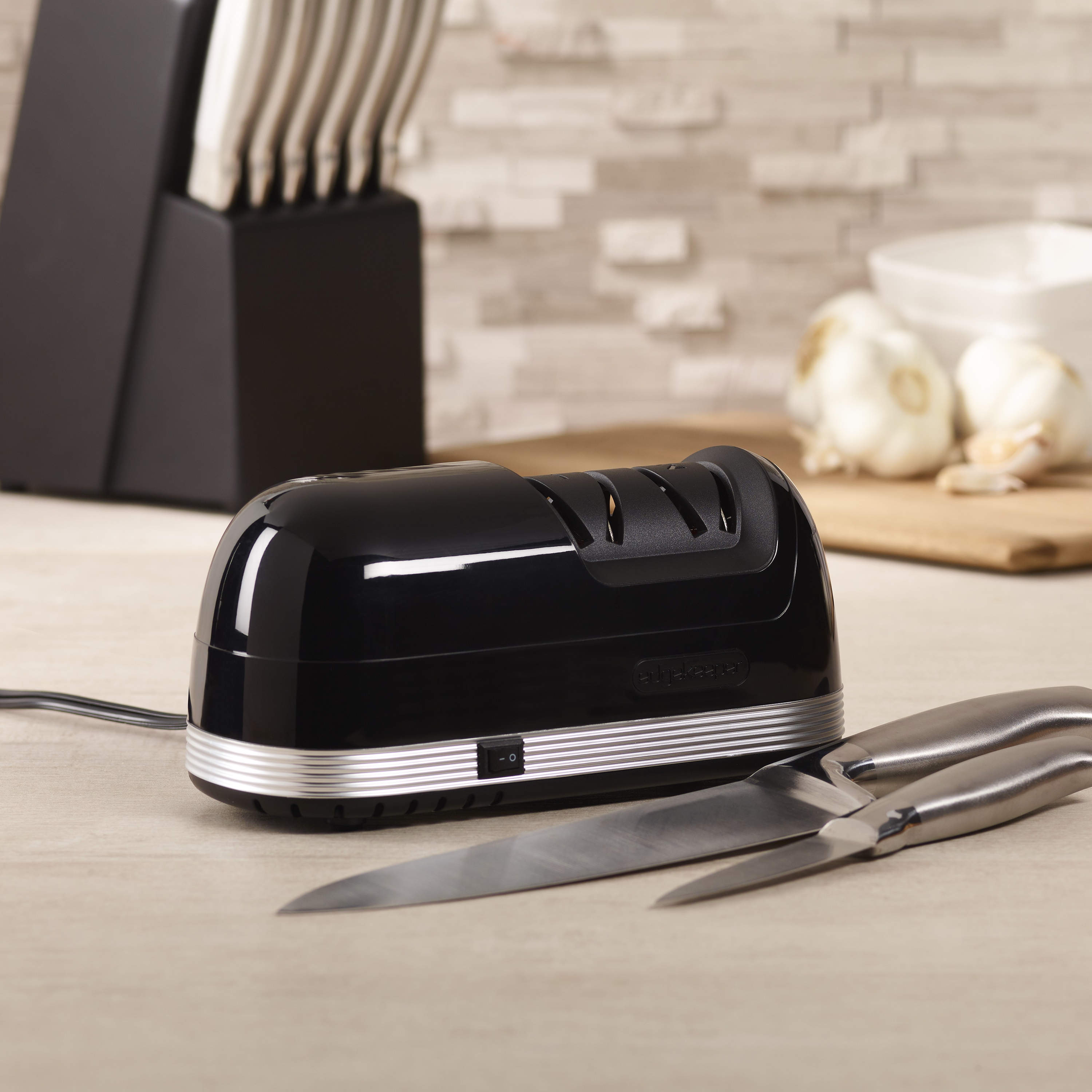 Edgekeeper Electric Gloss Black Corded Knife Sharpener
