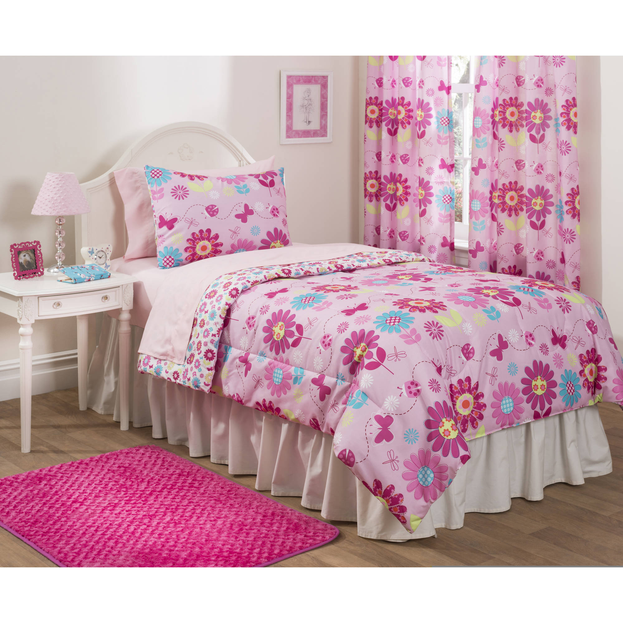 Mainstays Daisy Floral Girls Bedroom Curtains, Set of two by Idea Nuova