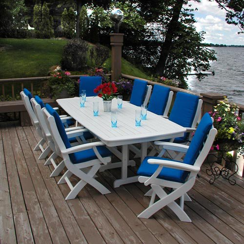 POLYWOOD® Signature Recycled Plastic Dining Table
