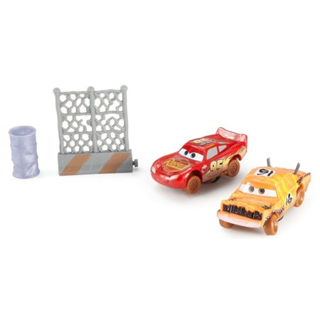 Disney/Pixar Cars 3 Crazy 8 Crashers Pushover & Lightning McQueen Set (Lightning Mcqueen Cars 2)