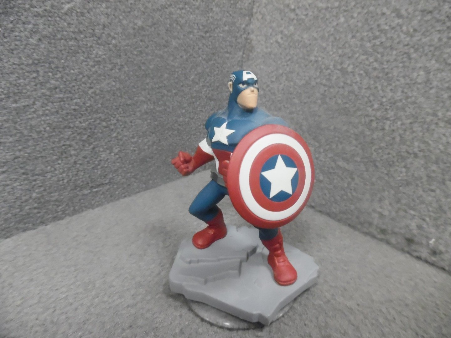 Disney Infinity 2.0 Marvel Captain America Figure, Officially licensed merchandise By Official by