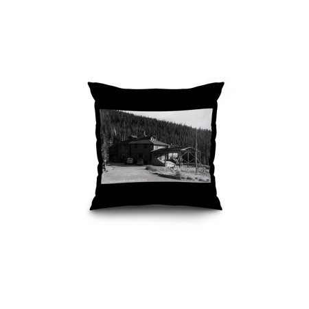Echo Lake, Colorado - Echo Lake Lodge Exterior Photograph (16x16 Spun Polyester Pillow, Black Border) ()