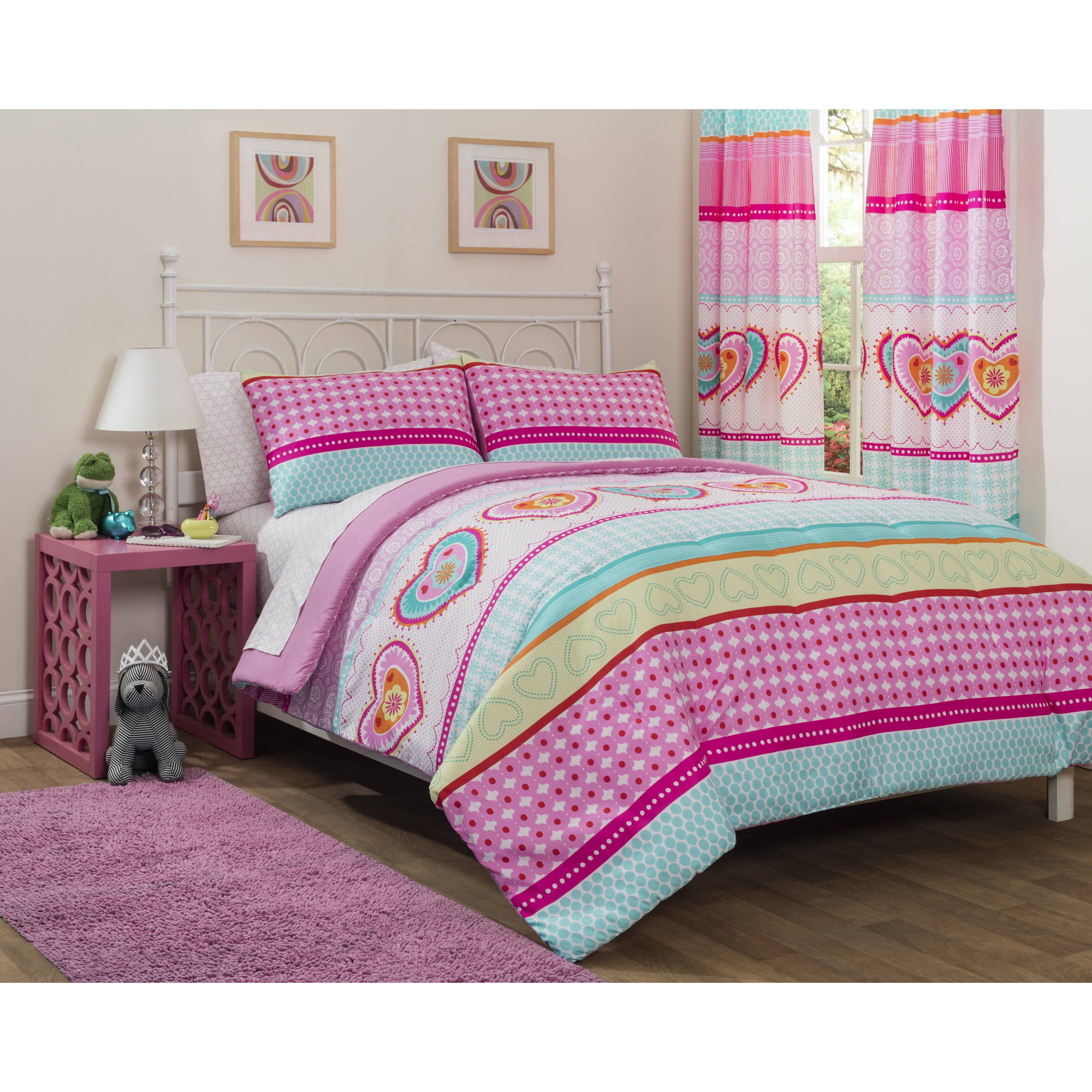 Mainstays Kids Hearts and Stripes Patchwork Bed in a Bag Bedding Set