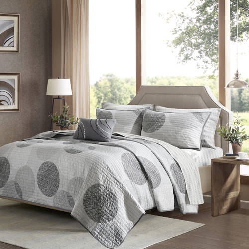 Home Essence Cabrillo Complete Coverlet and SHeet Set by E&E Co.
