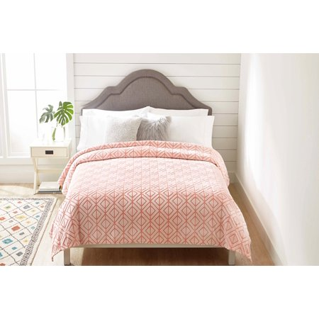Better Homes & Gardens Velvet Plush Blanket, Blush, Full/Queen