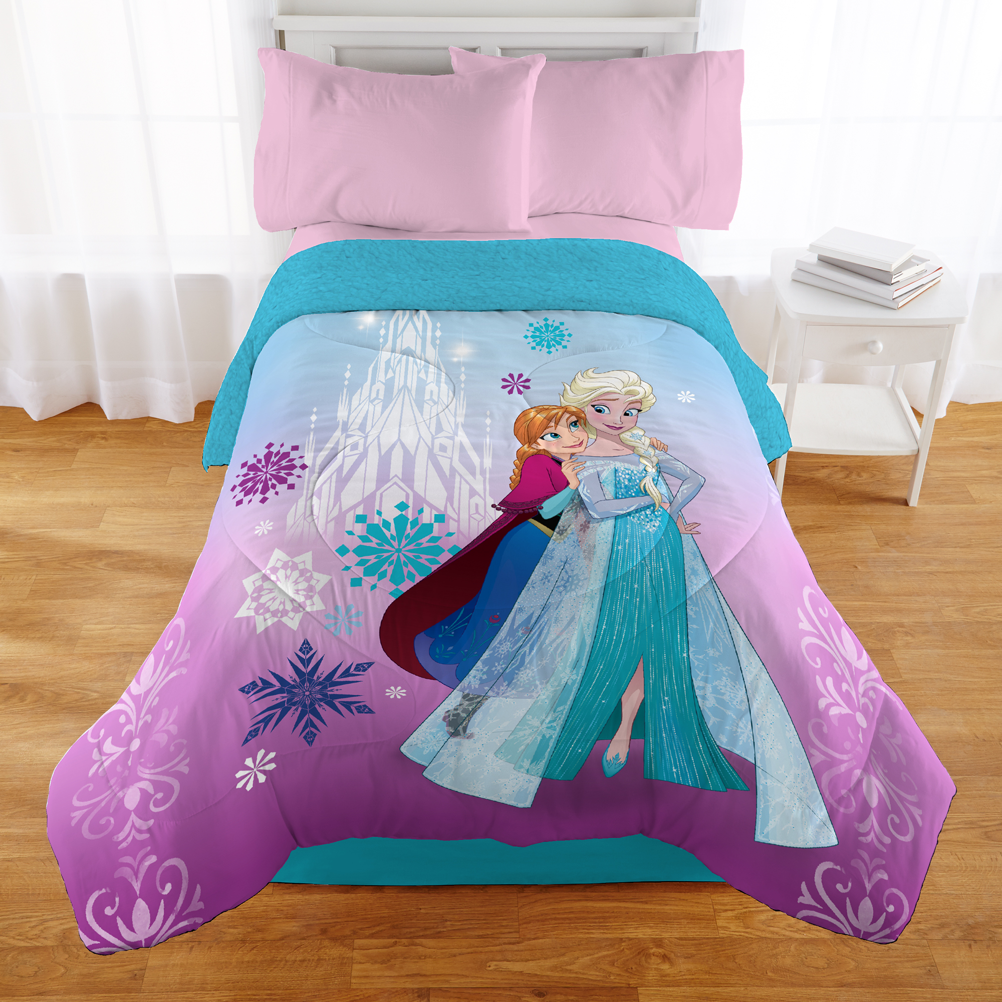Frozen Forever Sisters Kids Twin/Full Comforter with Sherpa Reverse