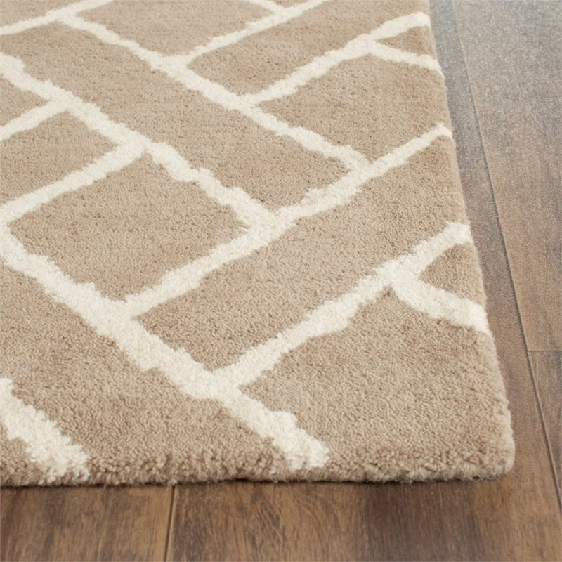 Safavieh Chatham 4' X 6' Hand Tufted Wool Rug in Beige and Ivory - image 9 of 10
