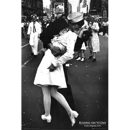 - WWII Kiss Poster Kissing On VJ Day World War 2 New 24x36