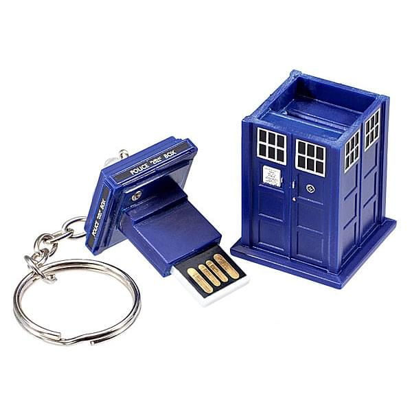 TARDIS 8GB USB Key Chain with Flashing Blue LED Light Doctor Who Memory Stick