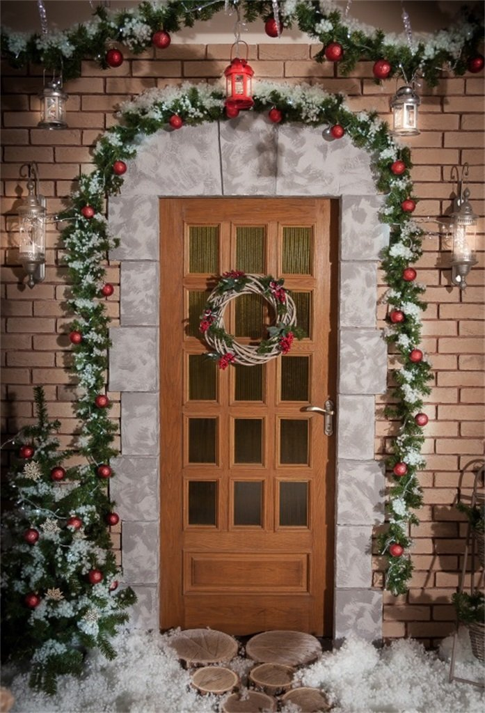 HelloDecor Polyester 5x7ft Christmas Wreath Hanging On Front Door  Photography Background Xmas Tree Backdrops Holiday Decorated