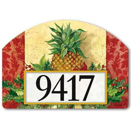 Christmas Pineapple - Magnet Works Christmas Pineapple Yard DeSign