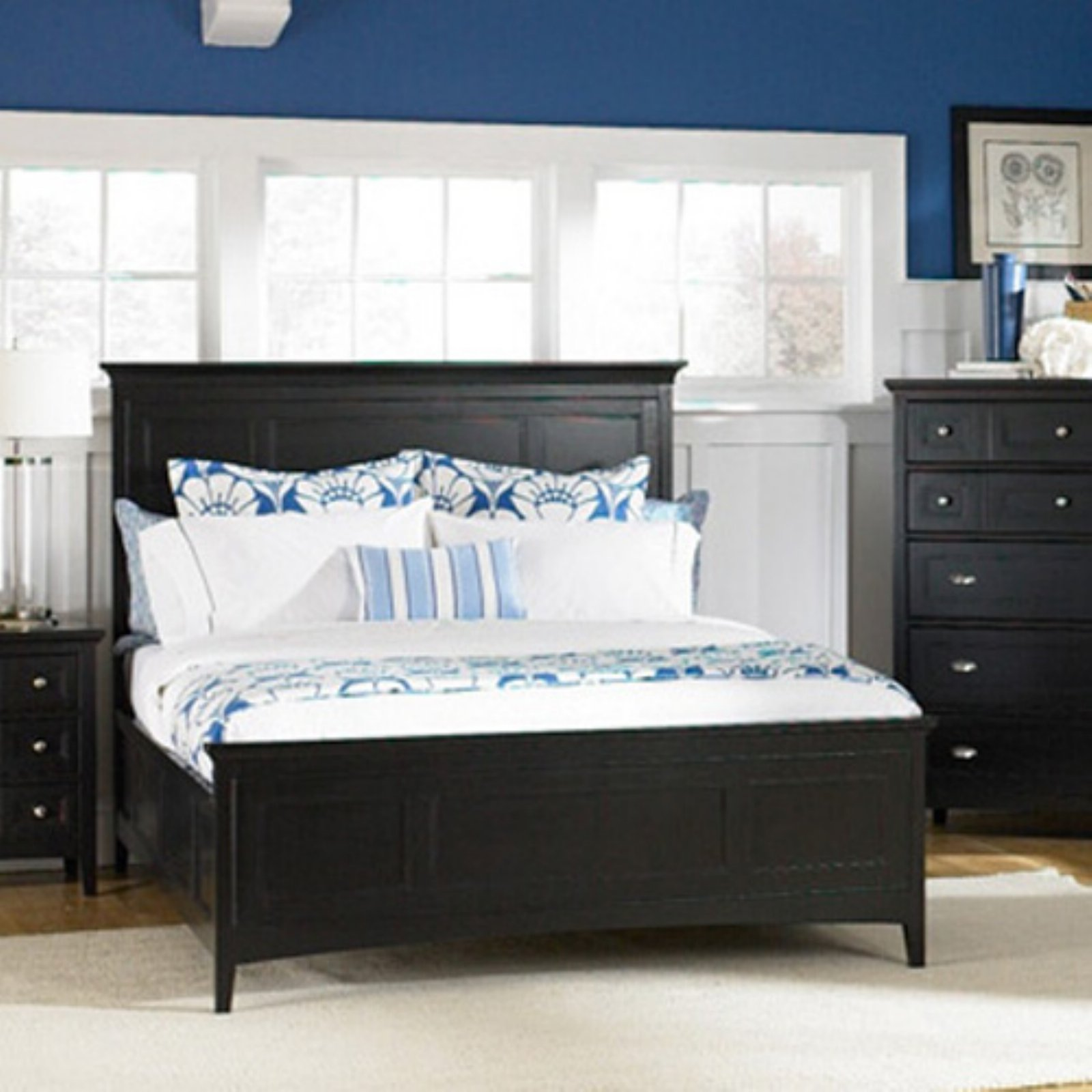 Exceptionnel Magnussen South Hampton Panel Bed Set