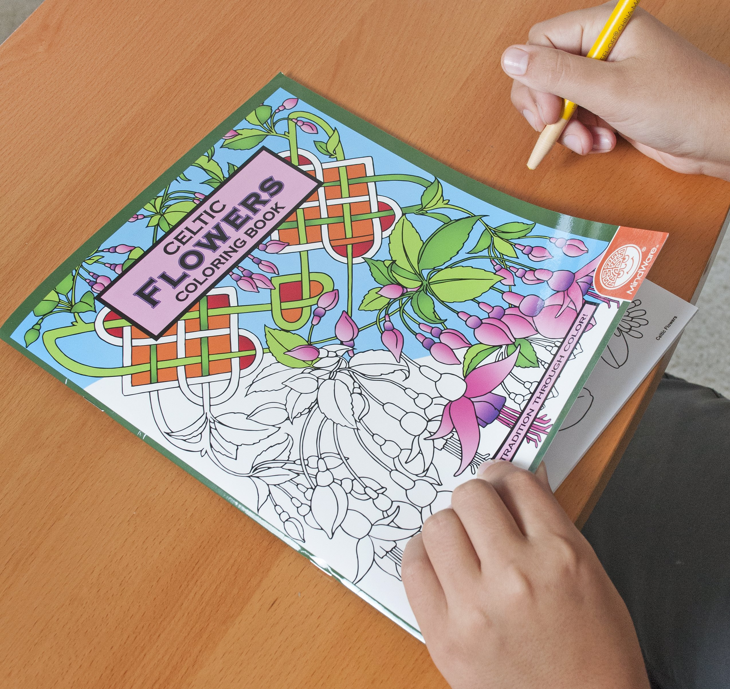Mindware Celtic Flowers Colouring Book