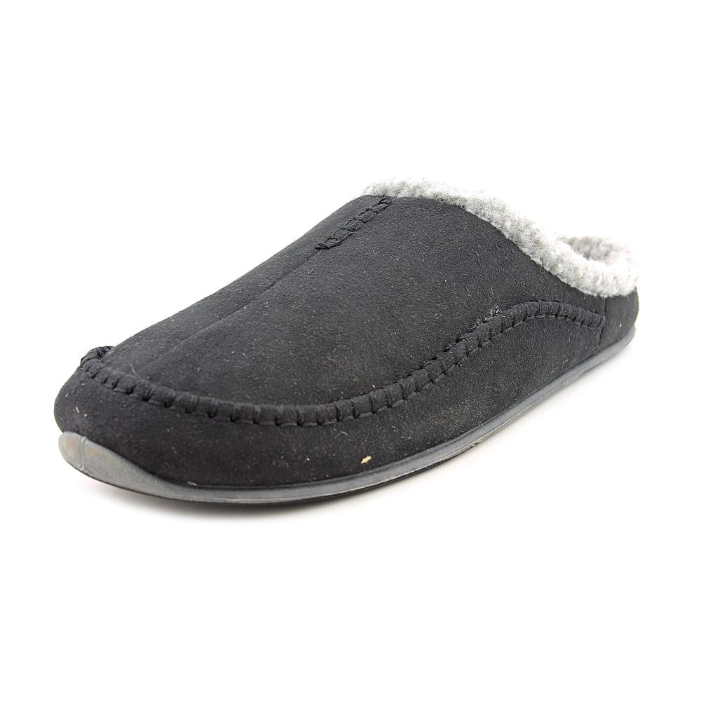 Click here to buy Deer Stags Nordic Round Toe Synthetic Slipper by Deer Stags.