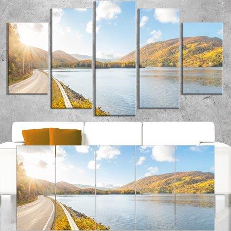 DESIGN ART Stunning Autumn Mountains Canada - Landscape Wall Art Canvas Print - Green