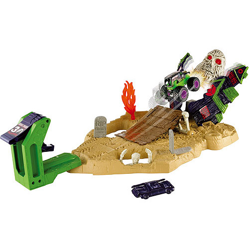 Hot Wheels Monster Jam Boneyard Bash Play Set