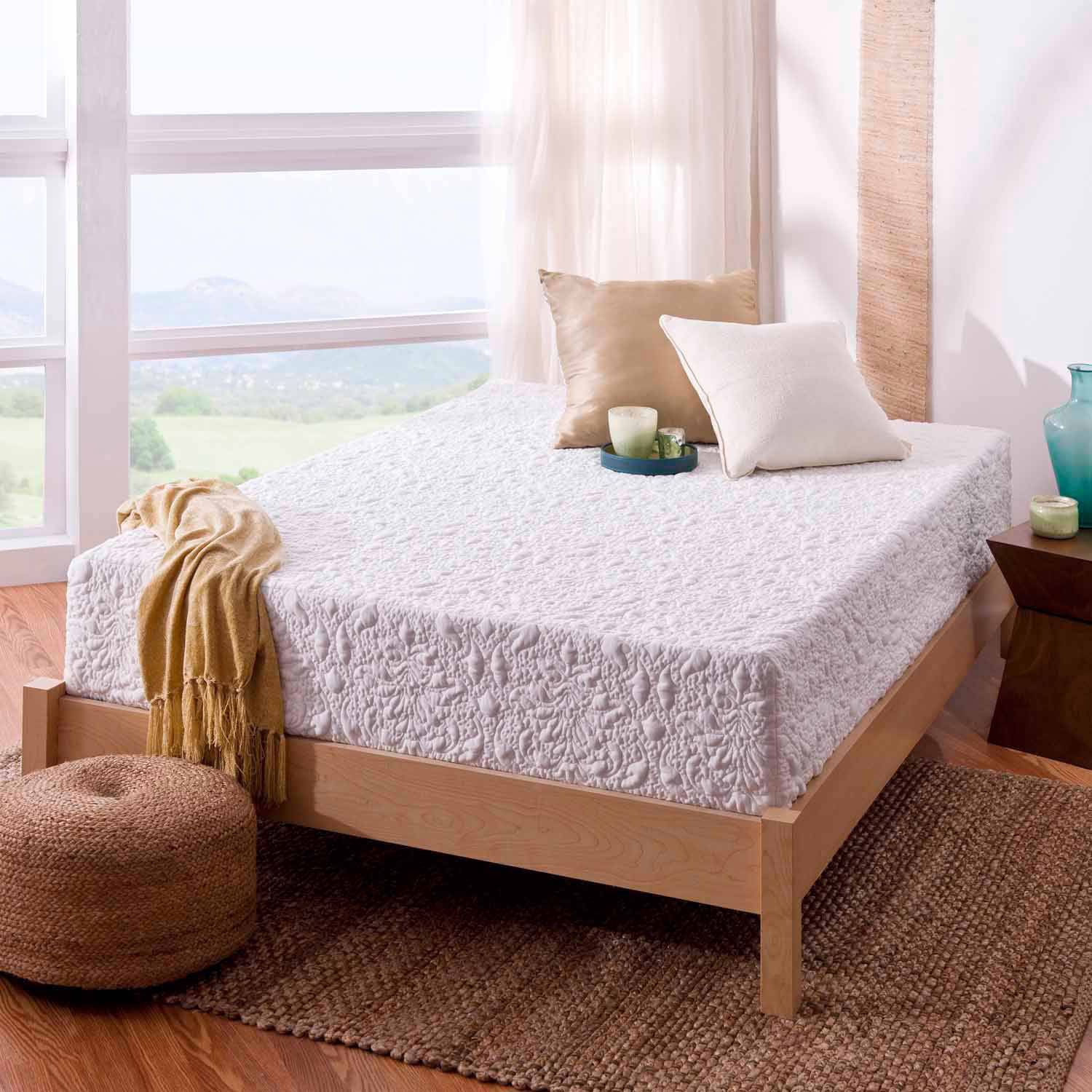 Ivation EZ-Bed (Queen) Air Mattress With Frame & Rolling Case, Self ...