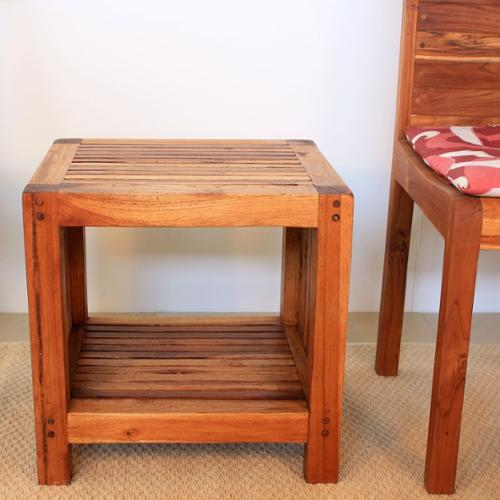 Haussmann Handmade Teak Slat 18 x 16 x 18 Walnut Oil Finished End Table with Shelf (Thailand)