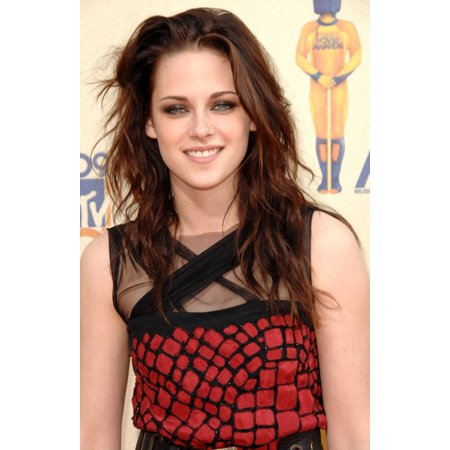 Kristen Stewart At Arrivals For 2009 Mtv Movie Awards - Arrivals Gibson Amphitheatre At Universal Citywalk Los Angeles Ca May 31 2009 Photo By Dee CerconeEverett Collection Celebrity](Kristen Stewart Halloween)
