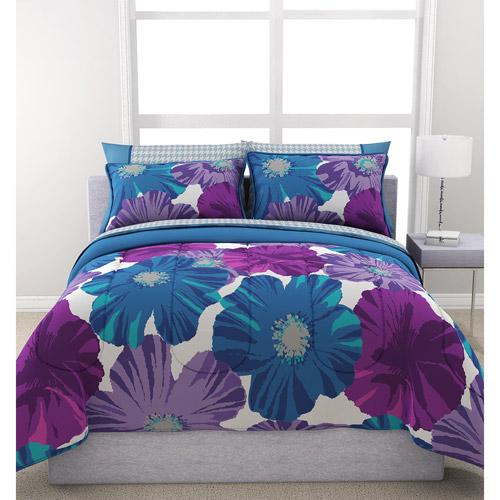 Formula Giant Floral Reversible Bed in a Bag Bedding Set