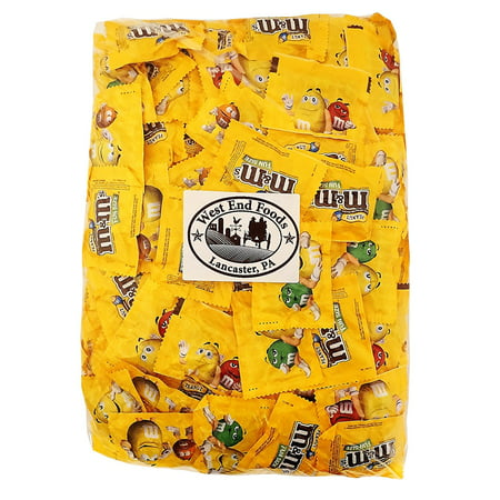M&M's Peanut Chocolate, Classic Candy (5 lbs) Bulk of Fun Size Snacks in a Bag. Perfect for a Party, Buffet, Pinata, Office, Wedding Favors, Halloween, or Christmas Gift Baskets - Non Candy Halloween Snacks