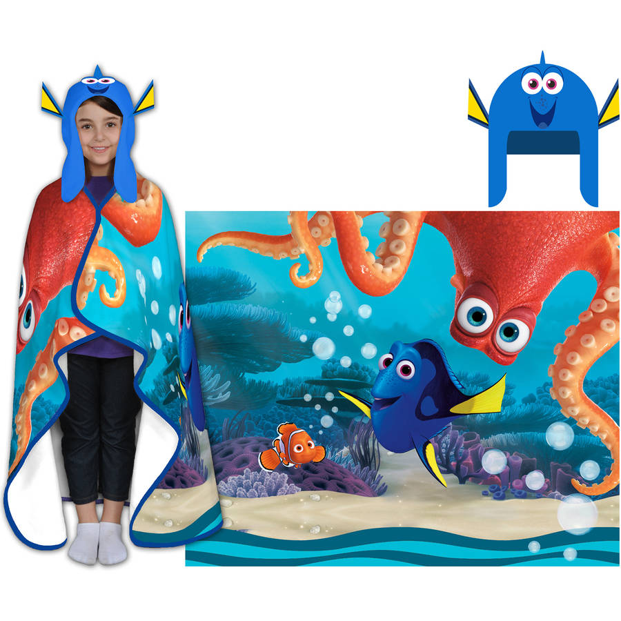 Disney's Finding Dory Cozy Hat and Throw Wrap Set