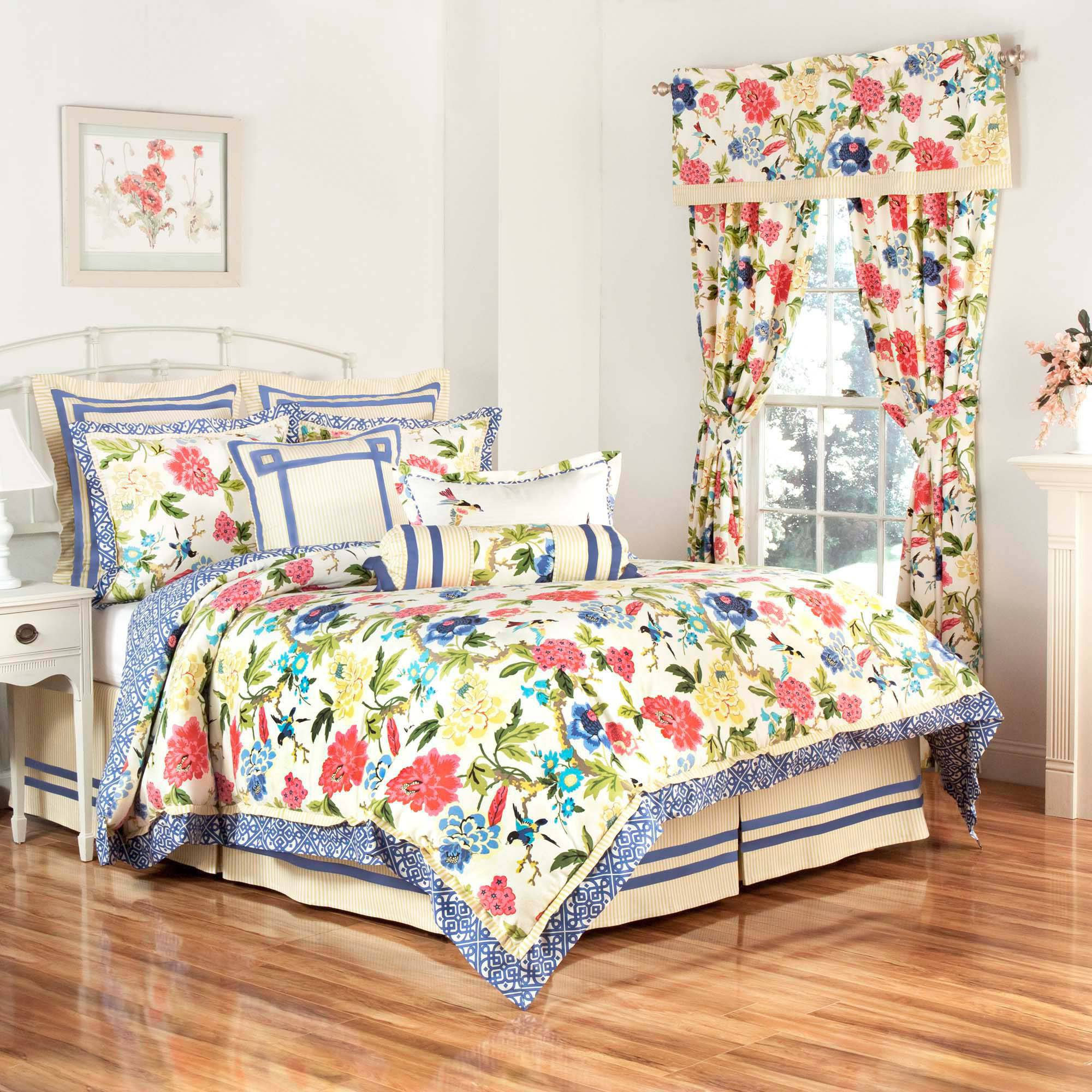 Charmed 4-Piece King Comforter Set