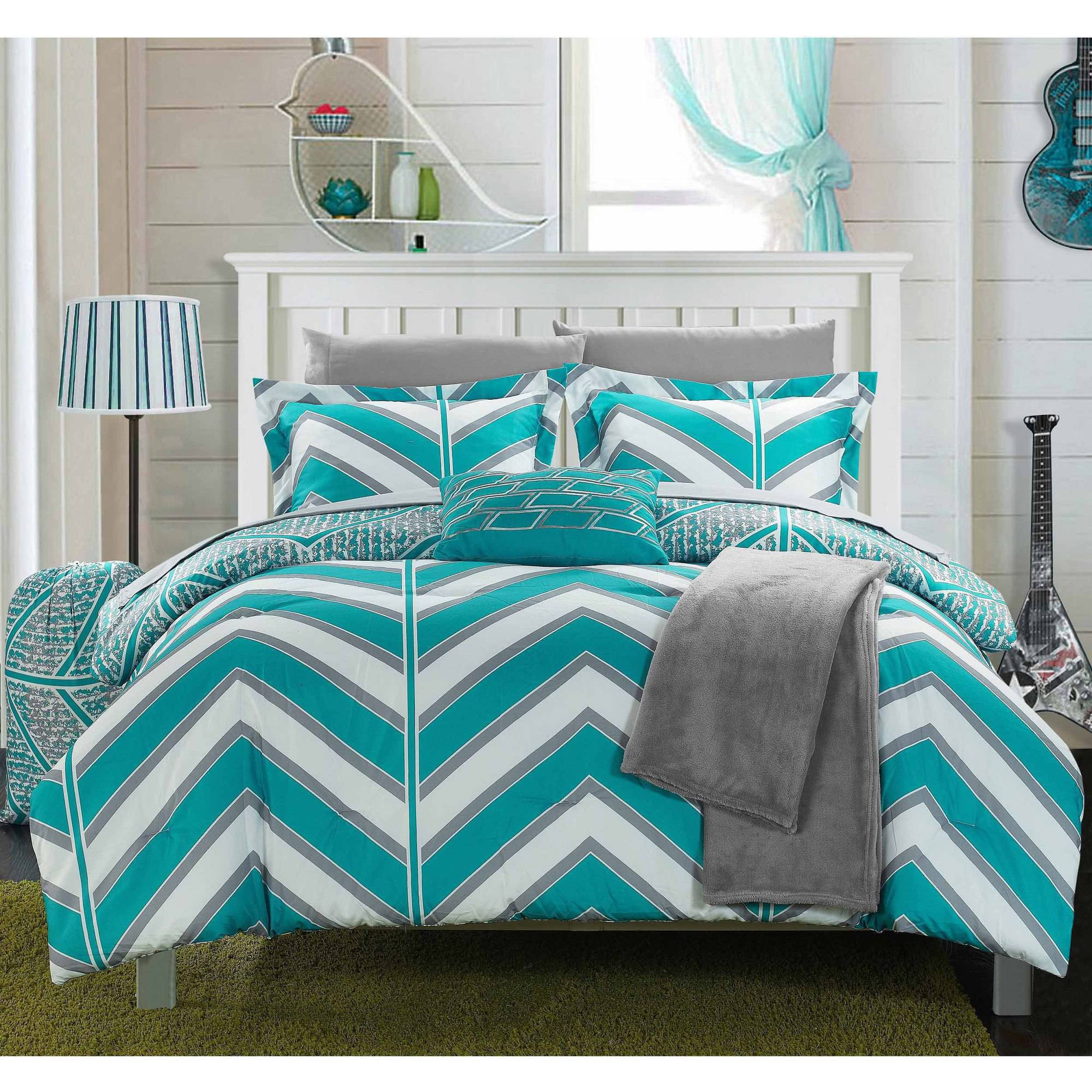 Chic Home 10-Piece Amaretto Chevron and Geometric Printed Reversible Comforter Set Includes Sheets, Duffle Hamper and Fleece Throw